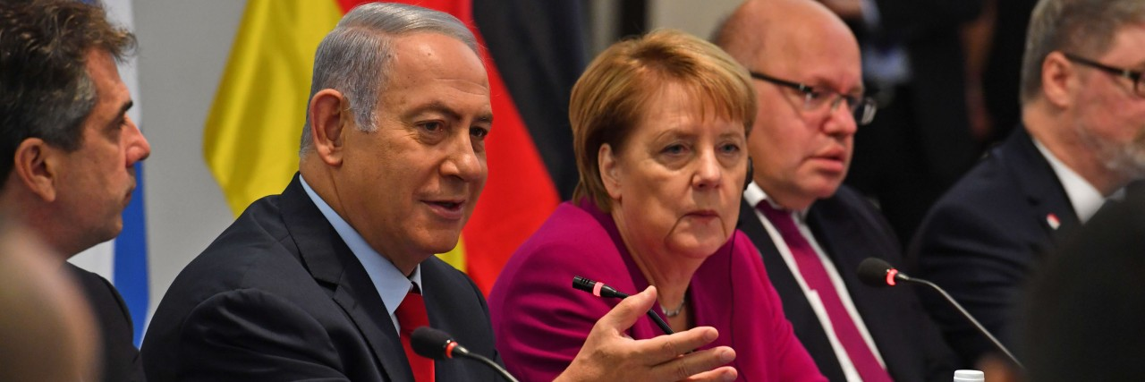 Photo of PM Benjamin Netanyahu and German Chancellor Angela Merkel Meeting with Israeli and German Businesspeople