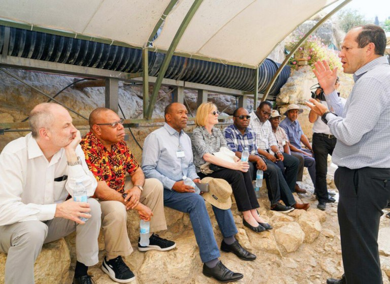 Photo of Six Delegation of UN Ambassadors at the Western Wall