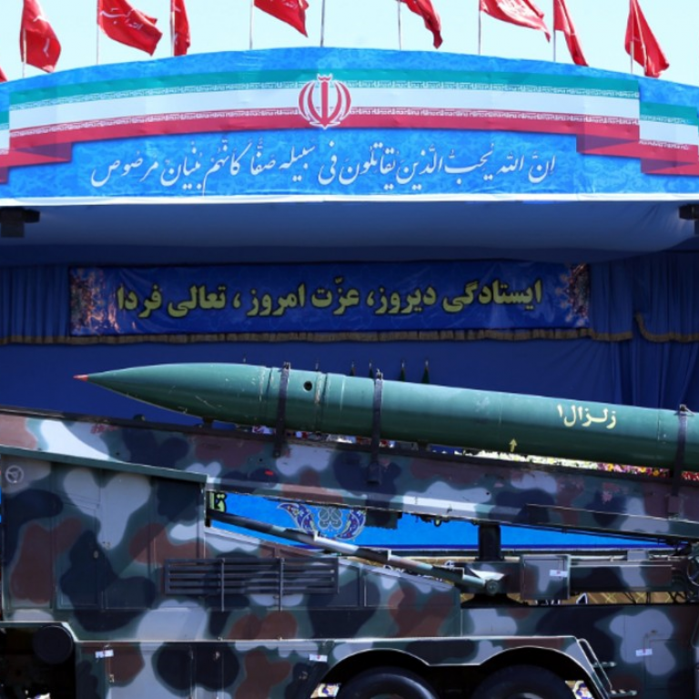 Truck with missile in front of pictures of the Ayatollah